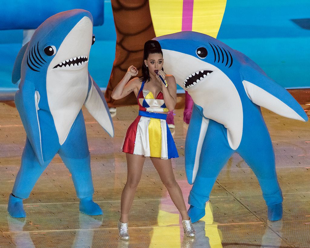Katy_Perry_-_Super_Bowl_XLIX_Halftime_02